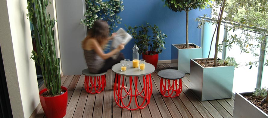 Marta by Izmade - table and stool