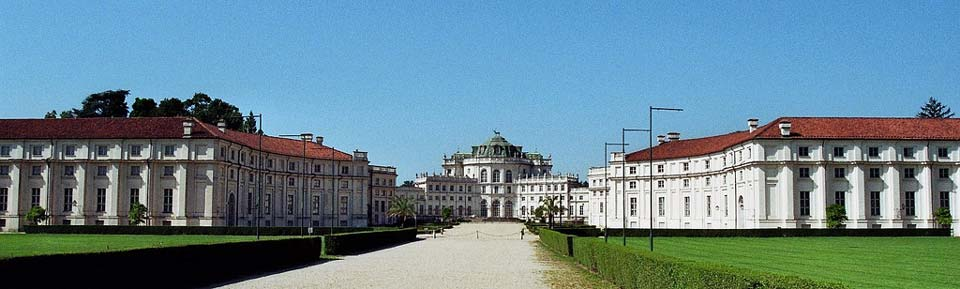 The hunting residence[1] of Stupinigi – CC BY-NC-SA 2.0 Bernard Blanc